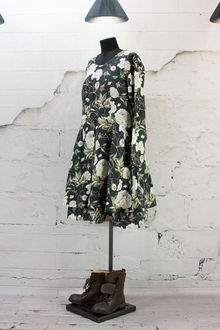 OLARS ULLA ROBE KALLAS BLACK FLOWERS 3/4
